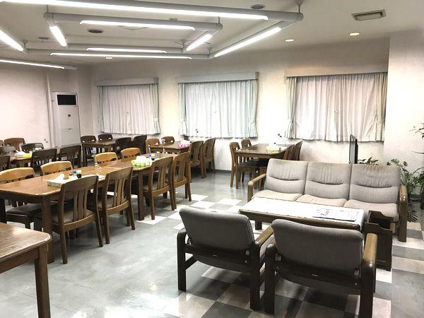 アゼリア葛西2の食堂